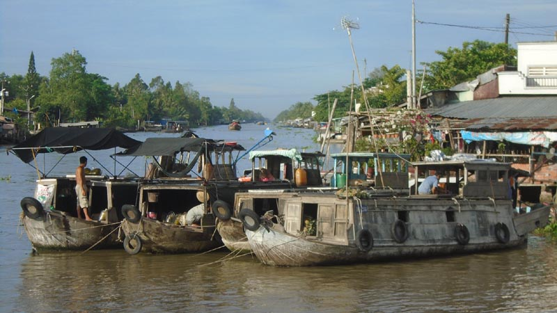 Motorbike Trip To The Floating Market Of Phung Hiep